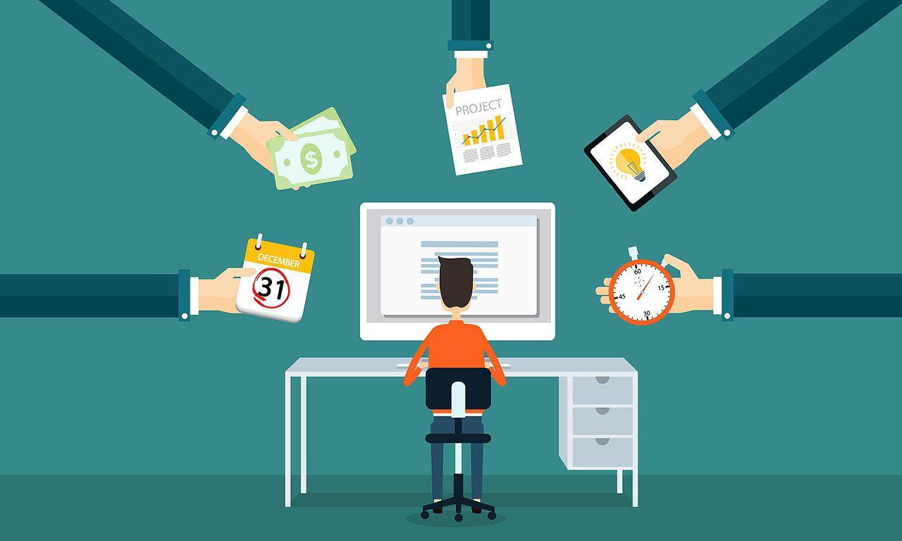 Contratar uma agência de marketing digital ou criar internamente?